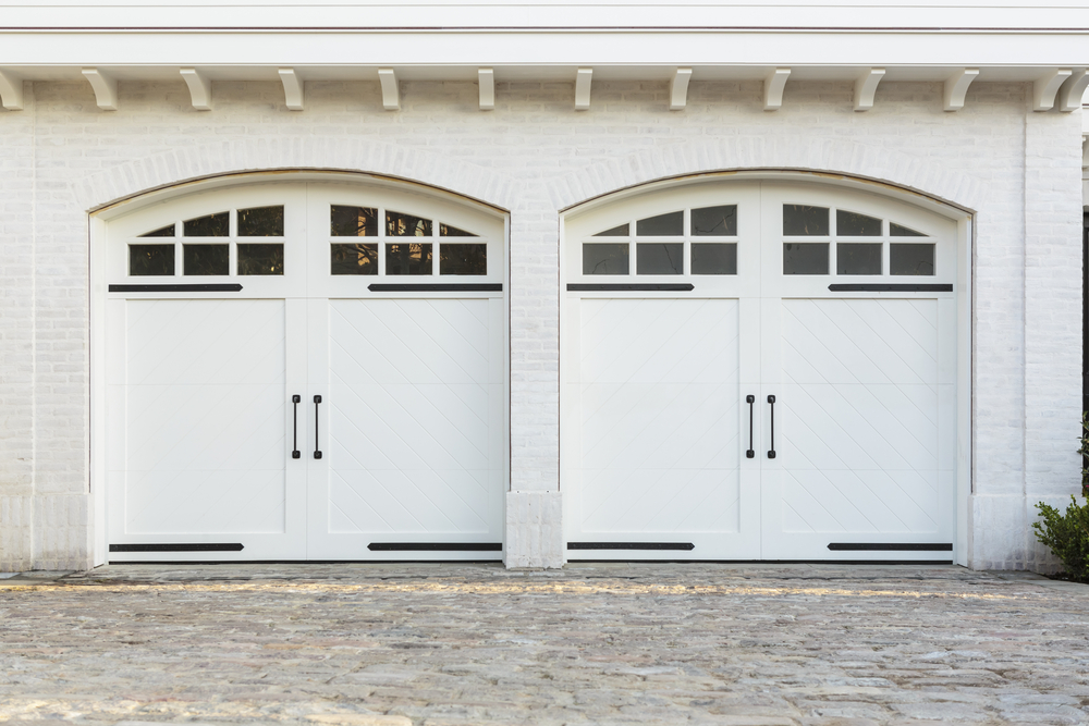 & Affordable Ways to Spruce Up Your Garage Door