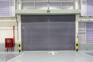 Rolling garage door warehouse
